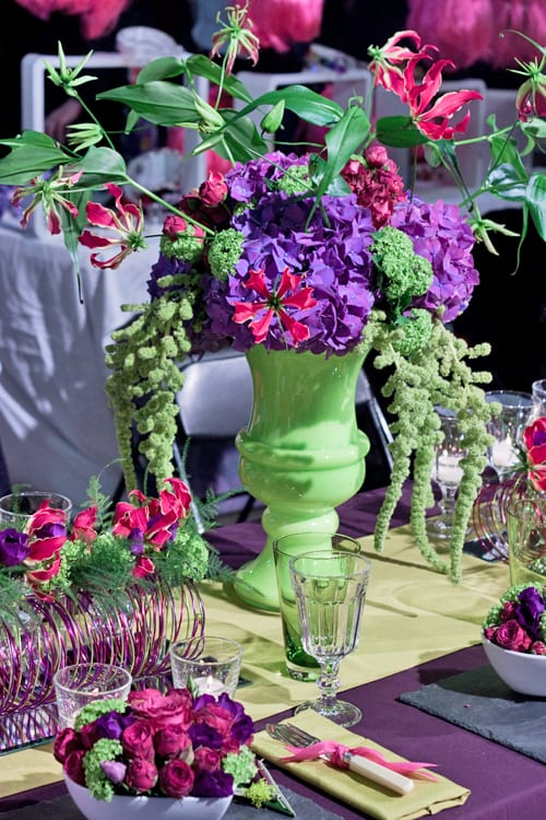 Sue-Arran-Flowers-A-Most-Curious-Wedding-Fair-Flowerona-2