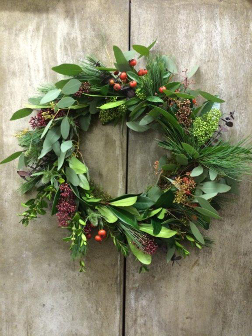 BERRYLICIOUS-xmas-wreath-with-berries-and-skimmia---www.blueskyflowers.co.uk
