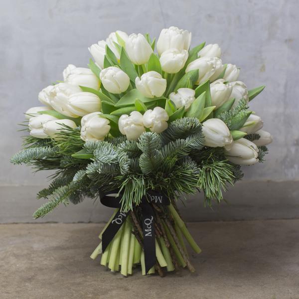 Christmas-Bouquet-McQueens-Flowerona-3