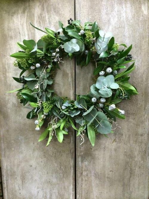 GLITTERBALL-xmas-wreath-with-euca-pods-and-glitter-www.blueskyflowers.co.uk-1