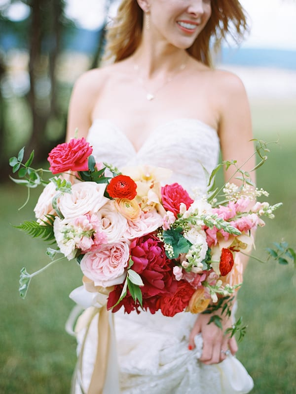 Brumley-And-Wells-Bridal-Bouquet-Style-Me-Pretty