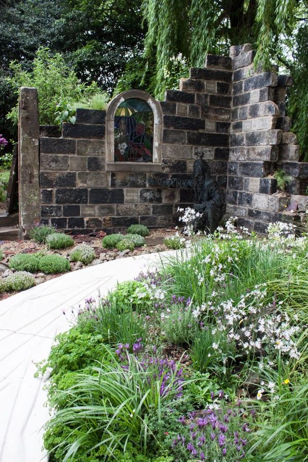 Artisan Garden RHS Chelsea Flower Show 2015 Flowerona-1