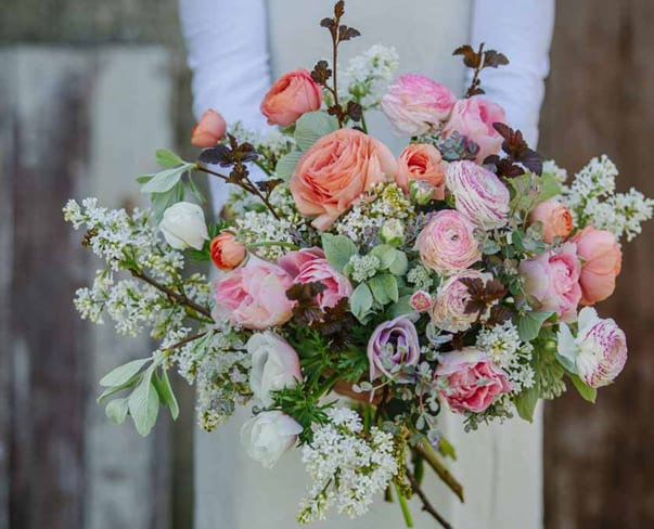 Flowerona Links : With hipster florists, garden weddings & a flower crown or two…