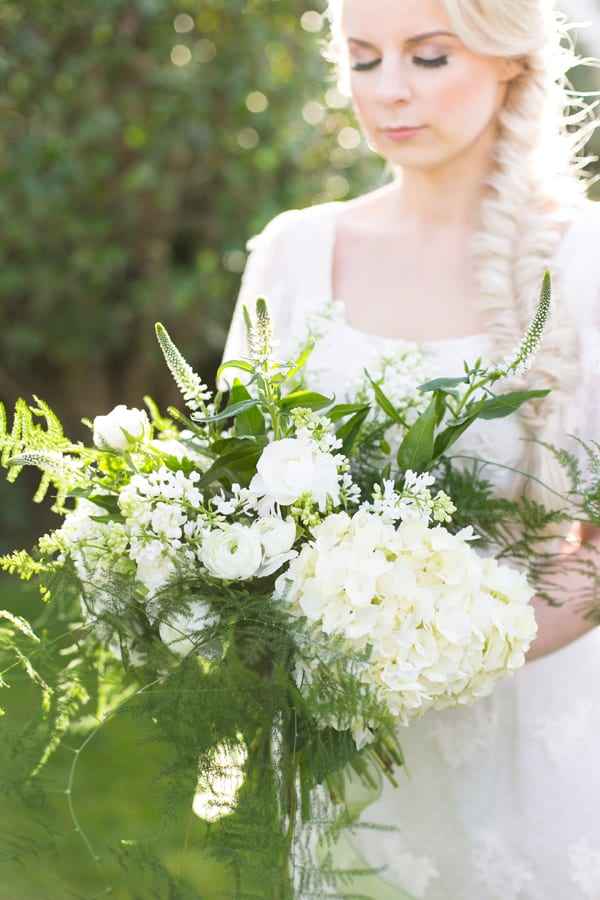 Liz-Inigo-Jones-Blue-Sky-Flowers-Flowerona-Anneli-Marinovich-and-bloved-spring-greens-bouquet