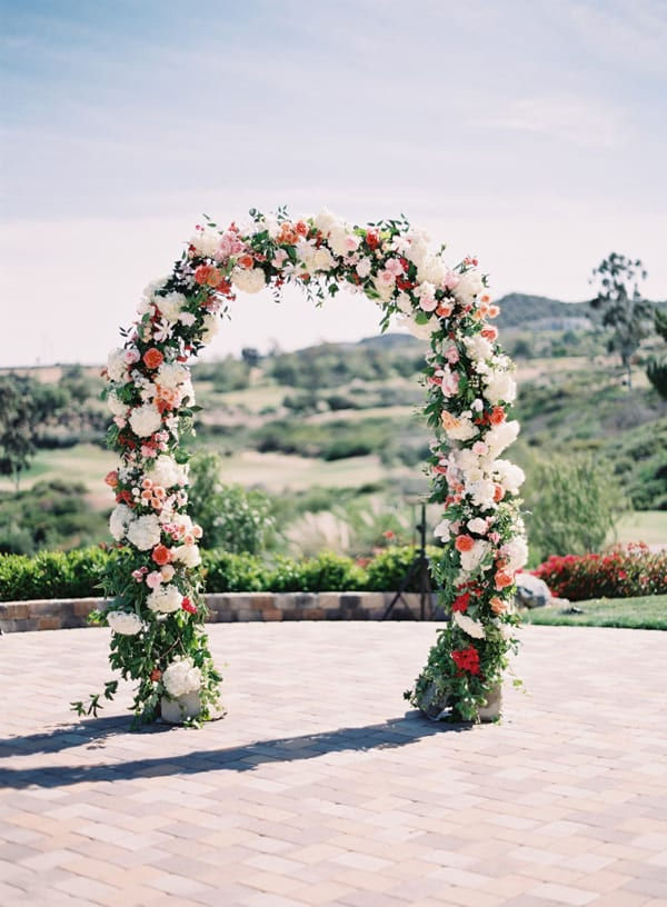 Floral Arch Style-Me-Pretty-Photography-Kurt-Boomer-Photography-Coordination-LVL-Weddings-&-Events-Floral-Design-Fleuretica