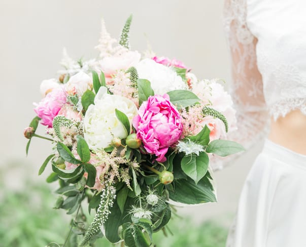 Wedding Wednesday : Beautiful wedding inspiration shoot with British blooms