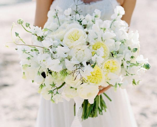 Wedding Wednesday : The Style Me Pretty Vault…full of wedding flowers inspiration