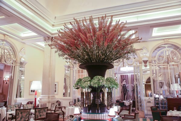 McQueens-claridges-may-2014-eremurus-main-focal-urn