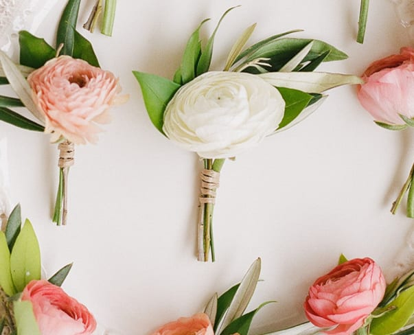 Wedding Wednesday : On Trend – Natural Buttonholes