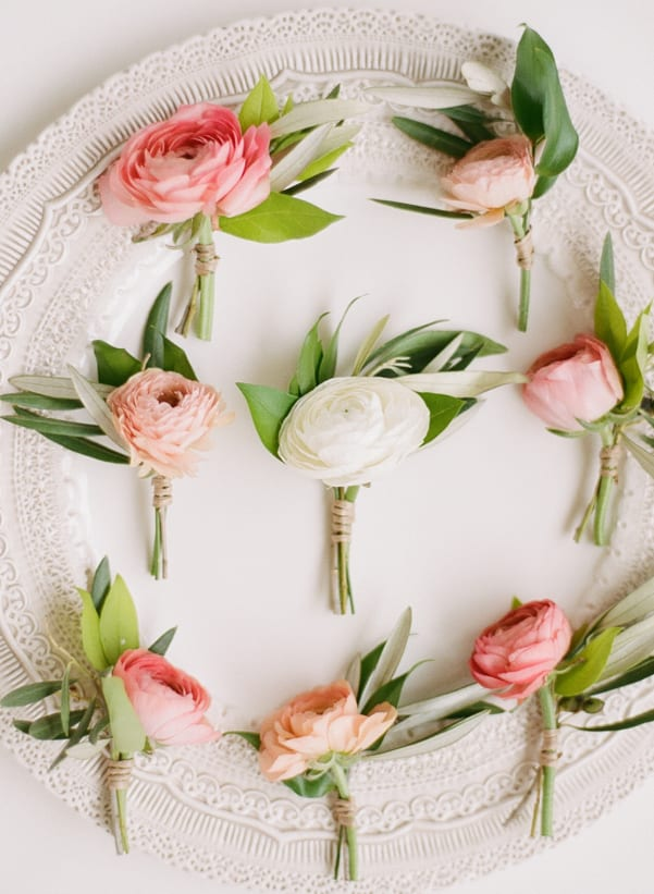 Natural-Buttonholes-Rebecca-Yale-Photography-Anchor-&-Grace-Style-Me-Pretty