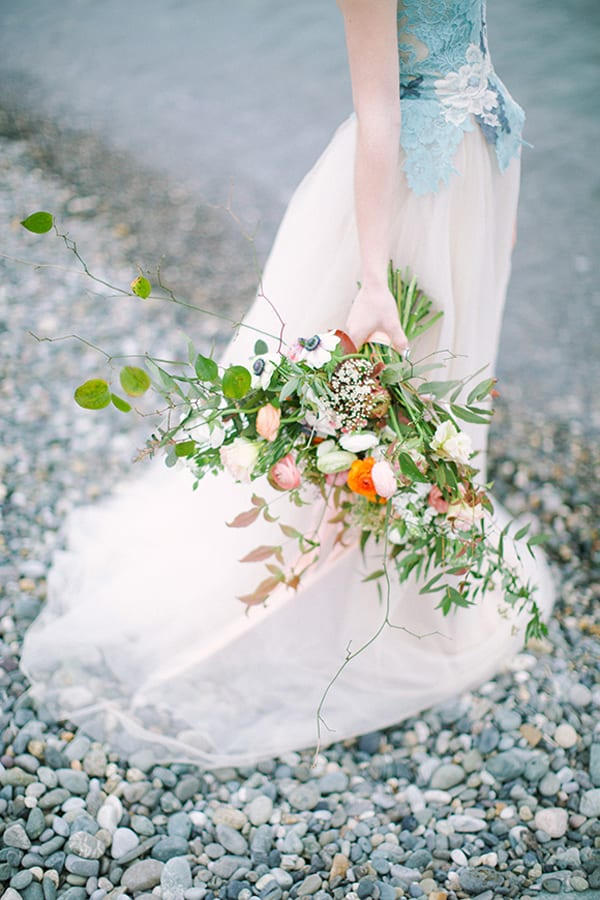 Seaside-bouquet-with-orange-flowers-ELENA-PAVLOVA-Magnolia-Rouge-1