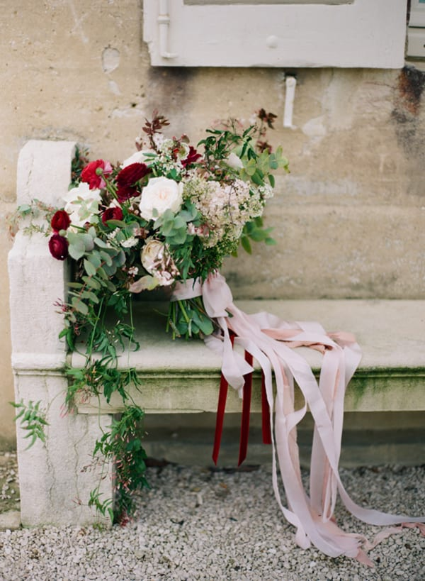 White-and-red-wedding-bouquet-HEIDI-LAU-PHOTOGRAPHY