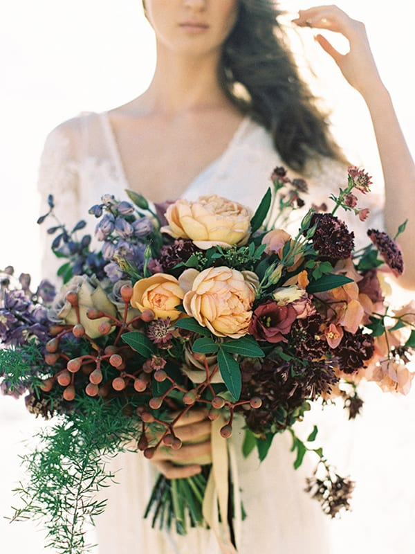 Bouquet-with-berries-and-roses-Feather-&-Stone-1