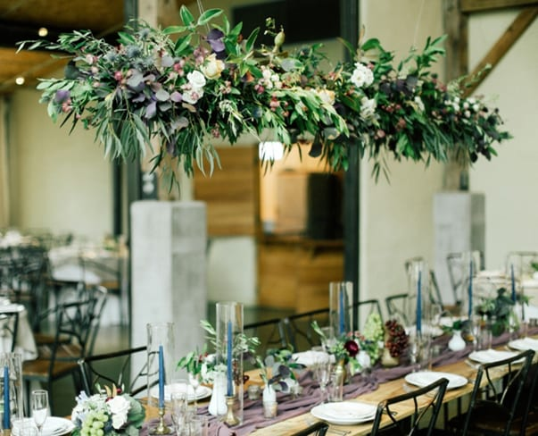 Wedding Wednesday : On Trend – Hanging Centrepieces