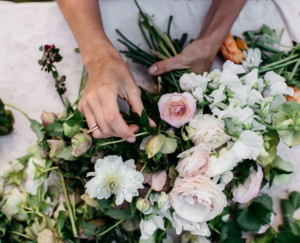 Flowerona Links : With Iceland poppies, wedding flower trends & a houseplant or two…