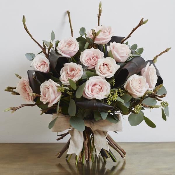 Jamie-Aston-Valentine's-Day-2016-My-Valentine-Pink-Dolomiti-Bouqet