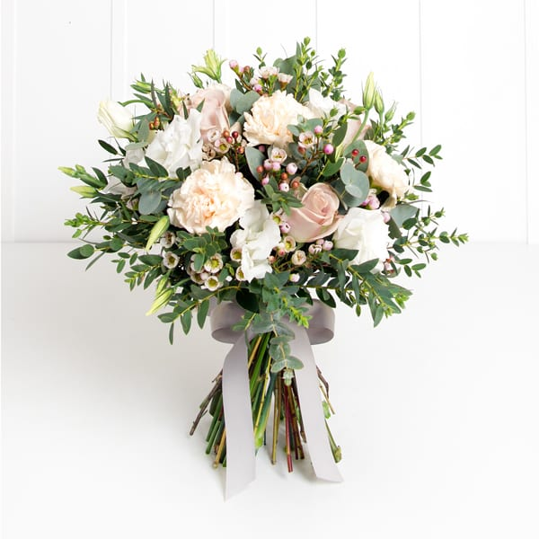 PHILIPPA_CRADDOCK_SEASON_PALE_PINKS_POSY_2000_SQU_0491