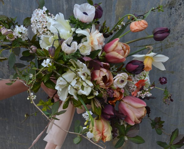 Flowerona Links : With blossom, tulips & a floral staircase…