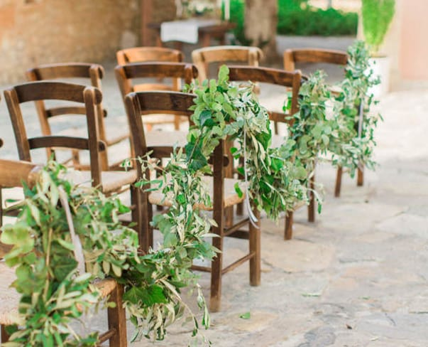 Wedding Wednesday : On Trend – Foliage Aisle Decor