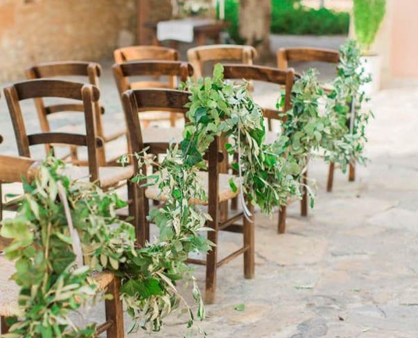 Wedding Wednesday : On Trend – Foliage Aisle Decor