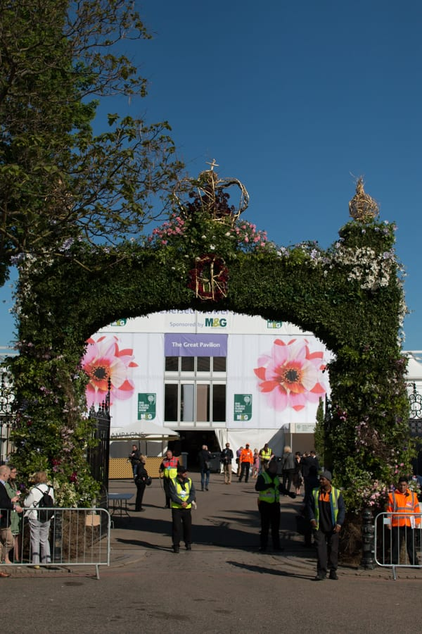 RHS Chelsea Flower Show 2016 Floral Arch Shane Connolly Flowerona-1