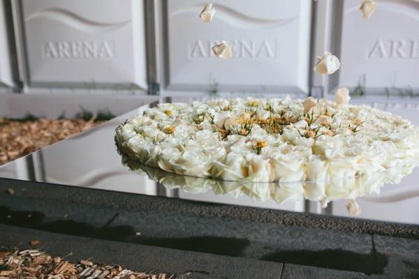 RHS-Chelsea-Flower-Show-2016-Floral-Installation-by-Joseph-Massie-Rosa-Flowerona-1