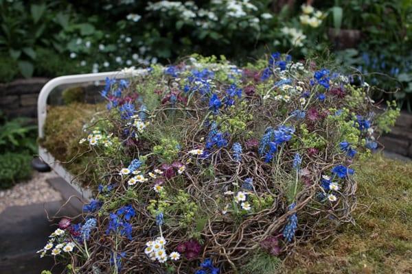 RHS Chelsea Flower Show 2016 The Garden Bed Asda Florist Alison Doxey Stephen Welch Artisan Garden Flowerona-3