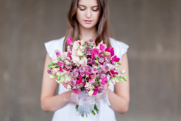 British-Flowers-Week-2016-Amanda-Austin-bridal-bouquet-Julian-Winslow-Flowerona-1