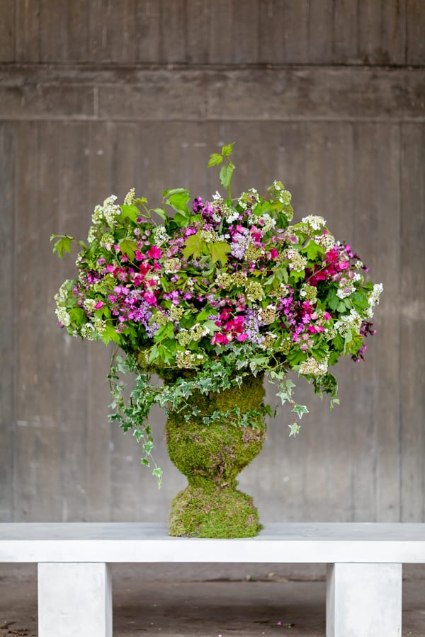 British-Flowers-Week-2016-Amanda-Austin-urn-Julian-Winslow-Flowerona-1