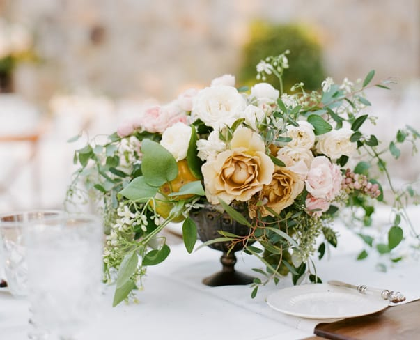 Wedding Wednesday : On Trend – Floral Designs in Metallic Compotiers