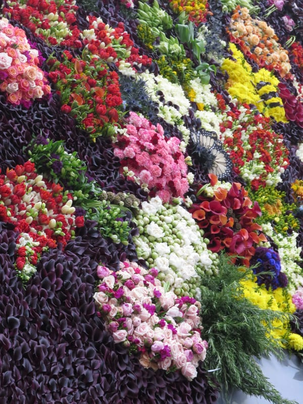 The Flower Council of Holland Funny How Flowers Do That Dutch Flowers Installation Trafalgar Square London 2016 Flowerona-10