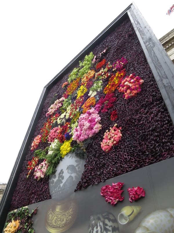 The Flower Council of Holland Funny How Flowers Do That Dutch Flowers Installation Trafalgar Square London 2016 Flowerona-12