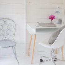 White-&-Grey-Garden-Office-Flowerona-feature
