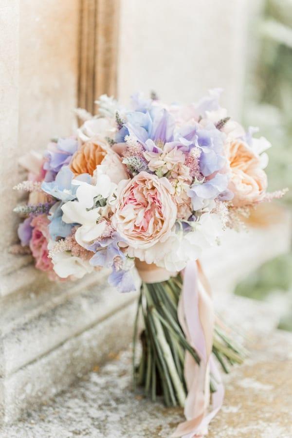 maggie-sottero-floral-country-wedding-love-me-dress-Naomi-Kenton-photography-1