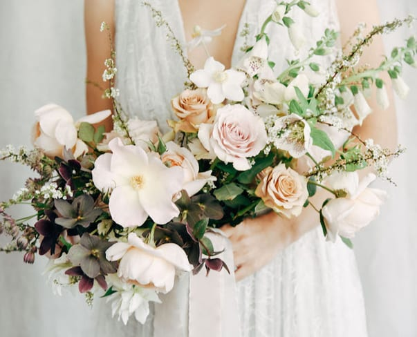 Flowerona Links : With viral florists, hydrangeas & bed of roses…
