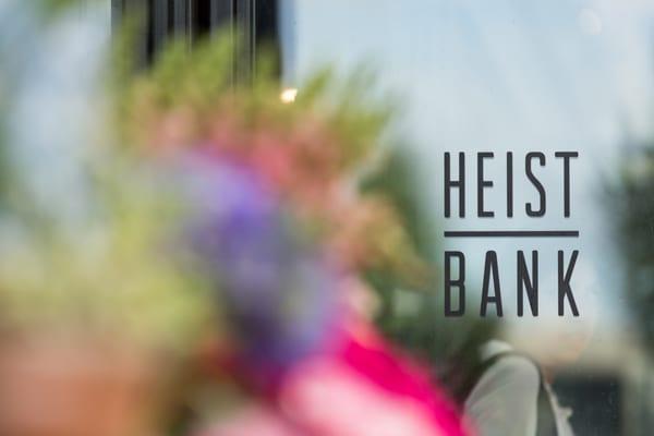Heist-Bank-Paddington-London-Flowerona