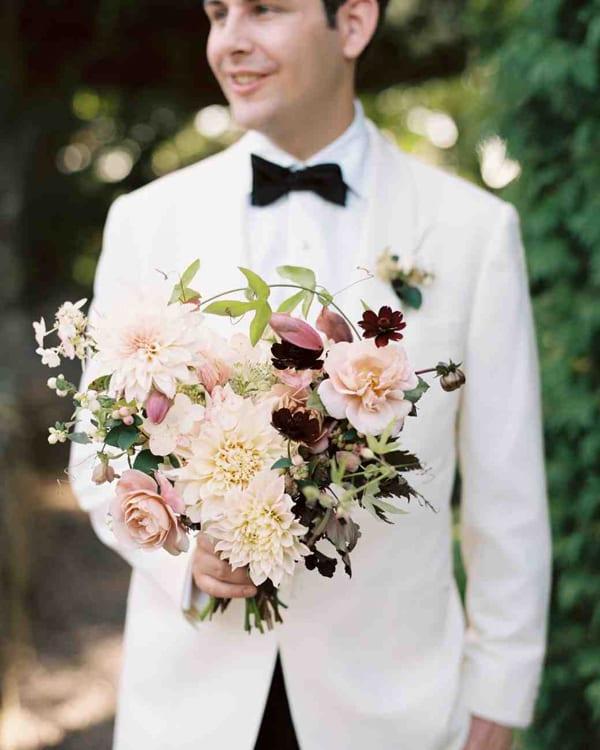 emily-marco-wedding-groom-bouquet-0414_vert