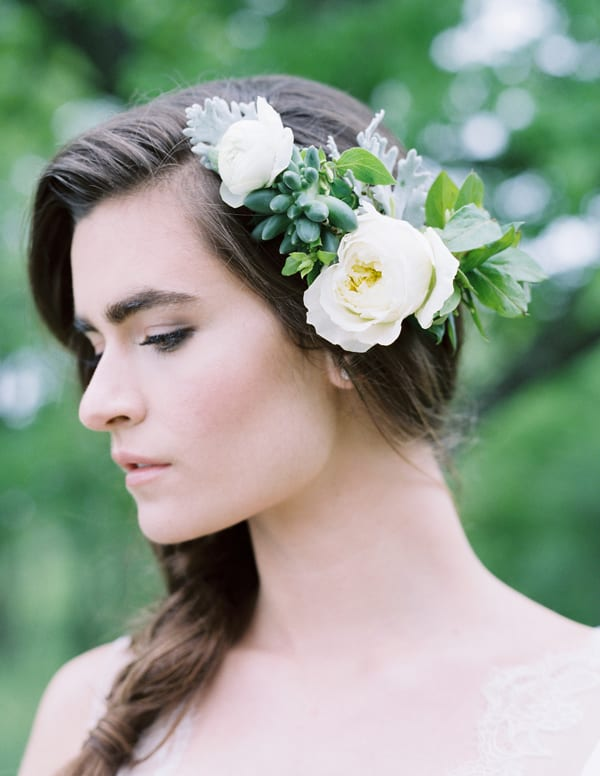 tiffany-siladke-foraged-floral-floral-hair-piece-wedding-flowerona