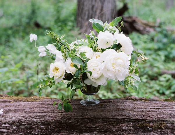 tiffany-siladke-foraged-floral-organic-green-and-white-wedding-flowers-flowerona