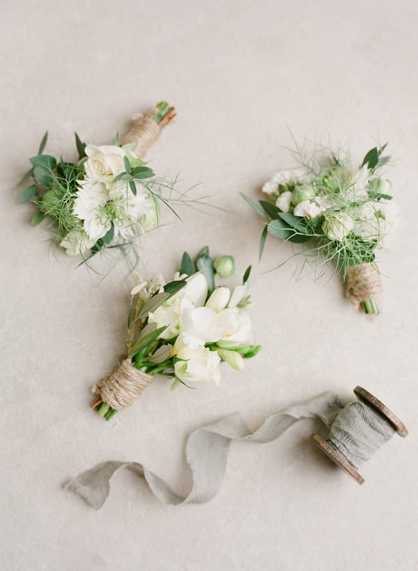 jennifer-pinder-floral-styling-photo-by-taylor-and-porter-flowerona-2