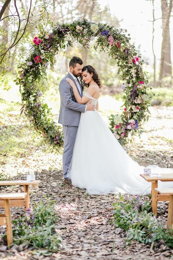 Wedding Wednesday : On Trend - Giant Wreaths  Flowerona