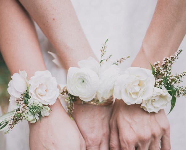 Wedding Wednesday : 5 Beautiful Wrist Corsage Designs