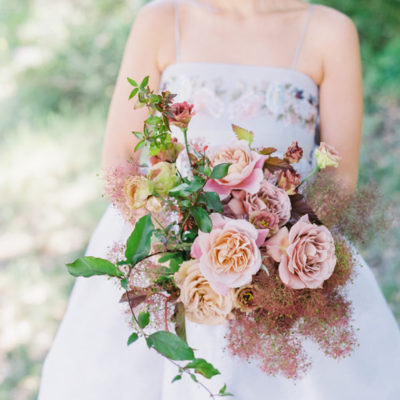 The Flowerona List | With Christmas wreaths, festive flowers and a smokebush-inspired wedding…