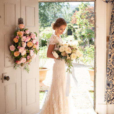 An English Country Wedding by David Austin Wedding Roses | AD