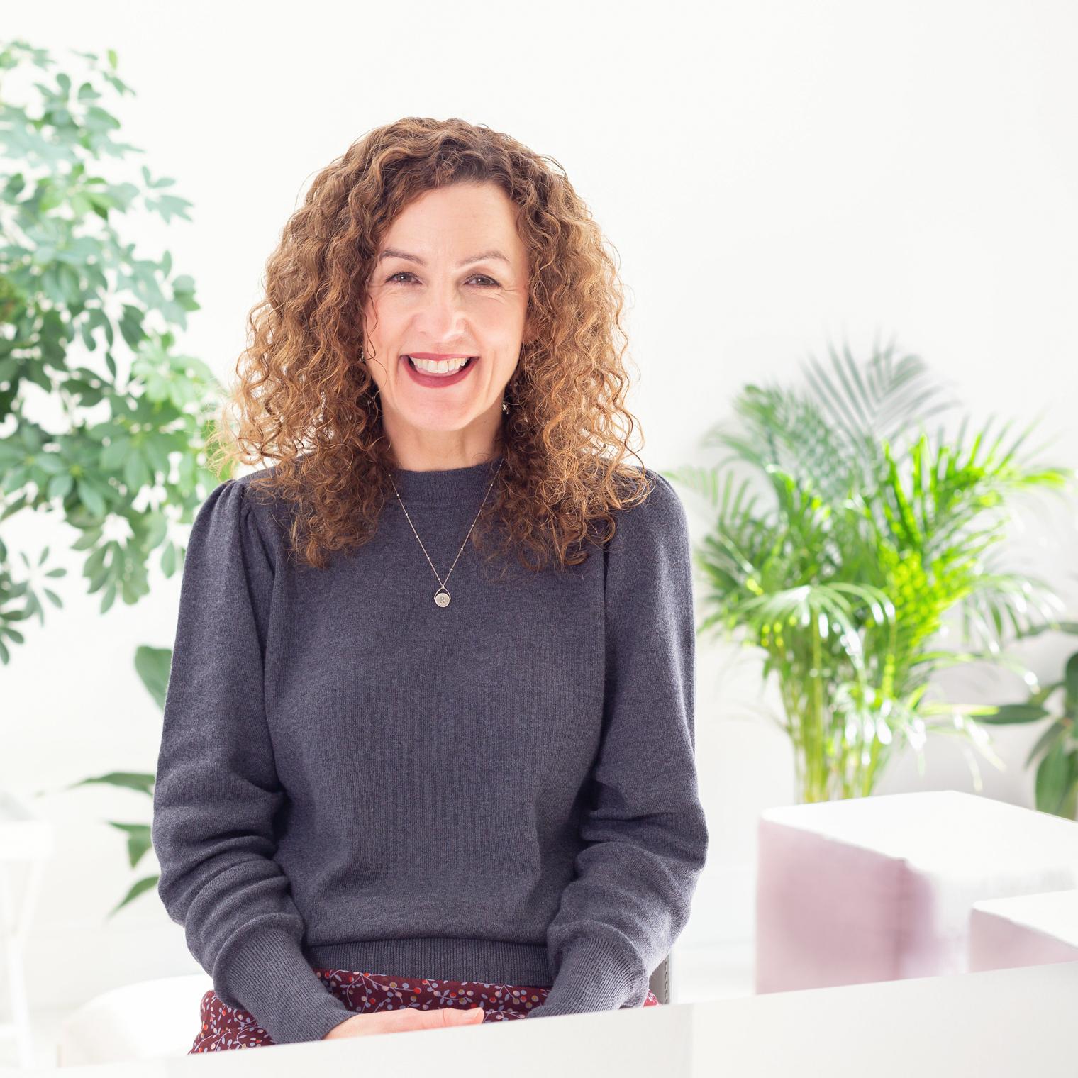Rona Wheeldon Flowerona - Interview on Floralkin - Floristry Blog - Instagram for Florists Online Course